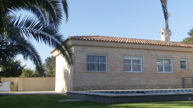 Beautiful Villa For Sale in Betera on Gated Community