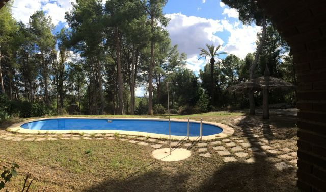 Huge House and Plot On Gated Estate In Chiva